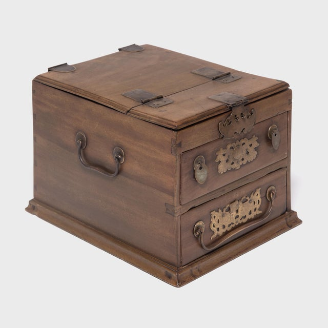 Early 20th Century Chinese Double Bat Jewelry Chest For Sale - Image 5 of 10
