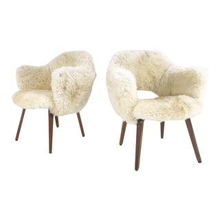 Forsyth Eero Saarinen Executive Armchairs for Knoll with Walnut Legs Reupholstered in Brazilian Sheepskin - Pair