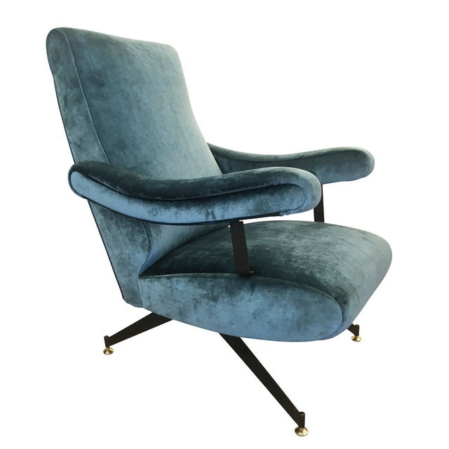 Stylish reclining armchair by Gianni Moscatelli for Formanova. The legs are black lacquered metal with brass feet. Has...