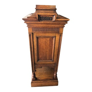 20th Century Traditional Library Pedestal For Sale