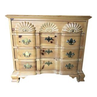 Link Taylor Pine Blockfront Chest of Drawers For Sale