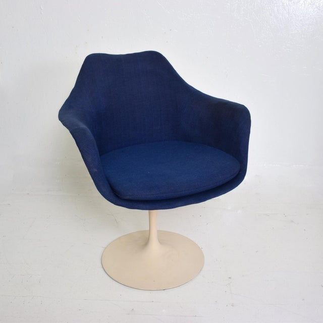 Knoll Knoll Tulip Chair 1956 by Eero Saarinen Mid Century Modern For Sale - Image 4 of 10