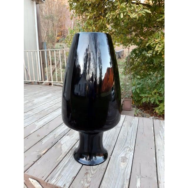 Vintage West Virginia Masterwork Black Pilgrim Art Glass Vase For Sale - Image 6 of 13