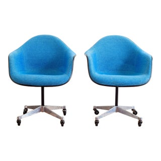 1970s Vintage Eames Herman Miller Fiberglass Shell Chairs- A Pair For Sale