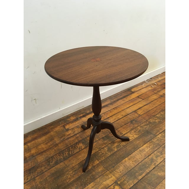Late 19th Century Table - 19th Century Traditional Walnut Tilt Top Table For Sale - Image 5 of 9