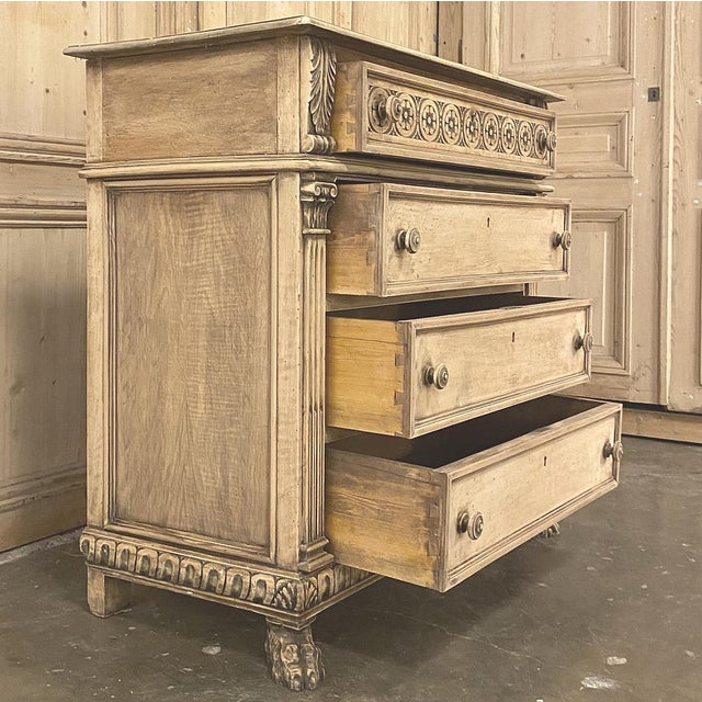 Antique Italian Renaissance Stripped Walnut Commode For Sale - Image 4 of 13