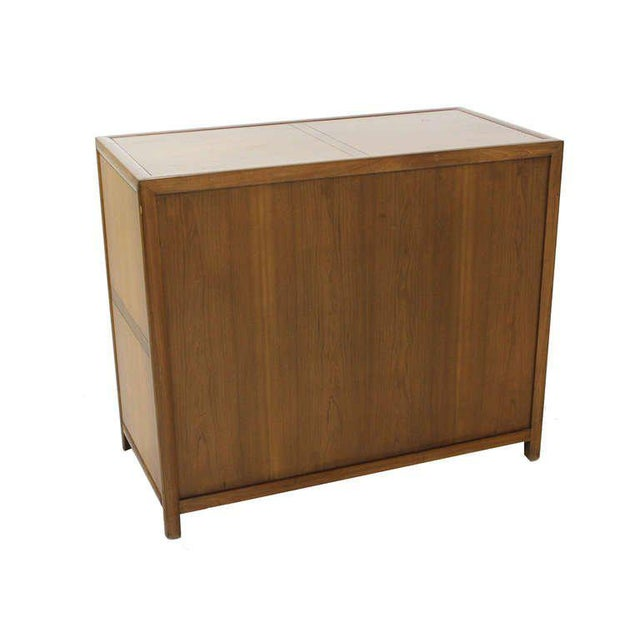 1960s Baker Mid Century Modern Light Walnut Finish Bachelor Chest or Dresser For Sale - Image 5 of 10