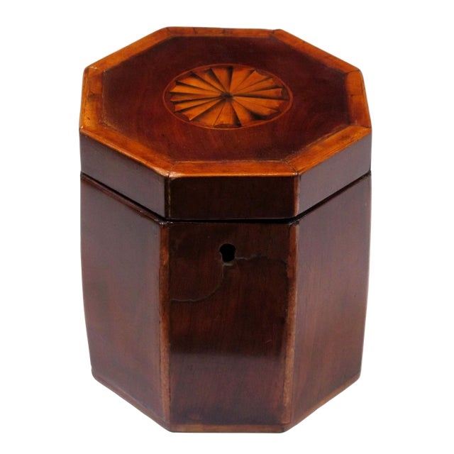 Shapely English Georgian Octagonal Lidded Tea Caddy with Shell Inlay For Sale