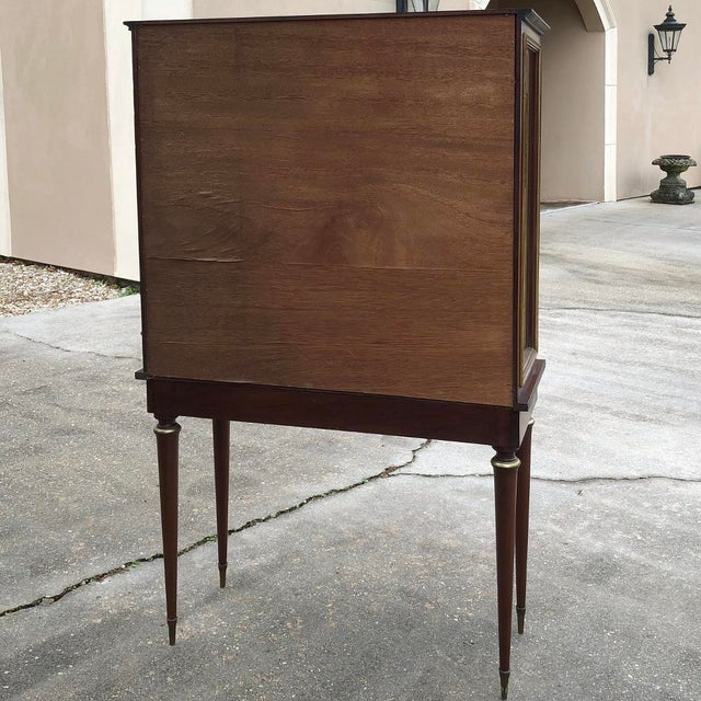 1900s Antique French Louis XVI Vitrine For Sale - Image 12 of 13