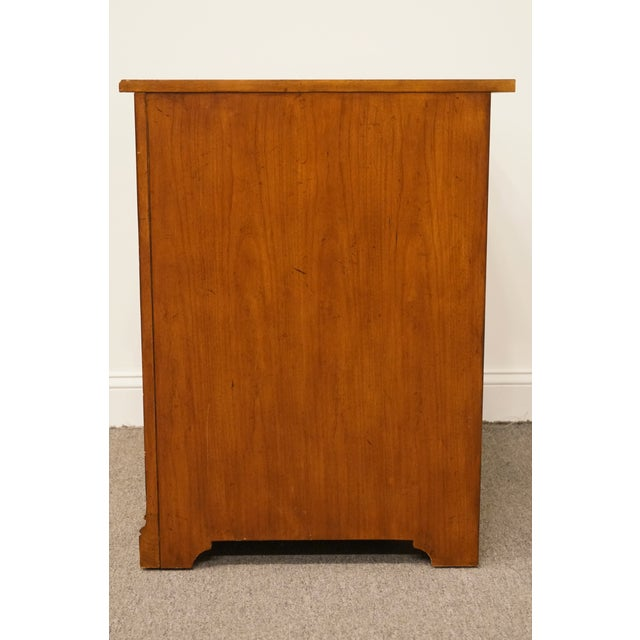 """20th Century Traditional Sligh Furniture the Ellis Line 32"""" Office Storage File Cabinet For Sale - Image 9 of 13"""