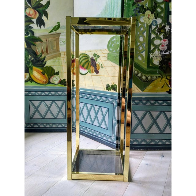 Create drama by placing plants or special objects on a pedestal. This piece would be great for a home or buisness. This is...