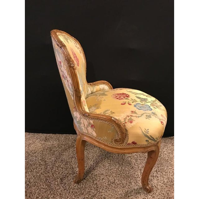 Louis XV Louis XV Style 2 Tone Gold Leaf Boudoir Chair For Sale - Image 3 of 9