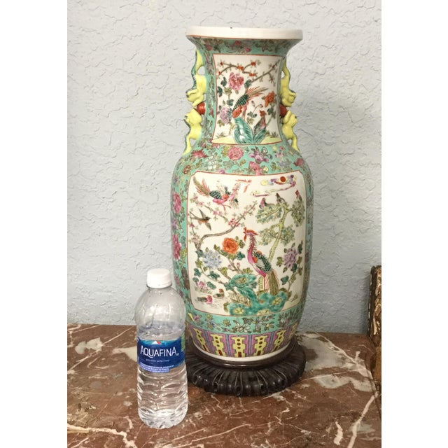 Ceramic 19th Century Chinese Export Vase For Sale - Image 7 of 10