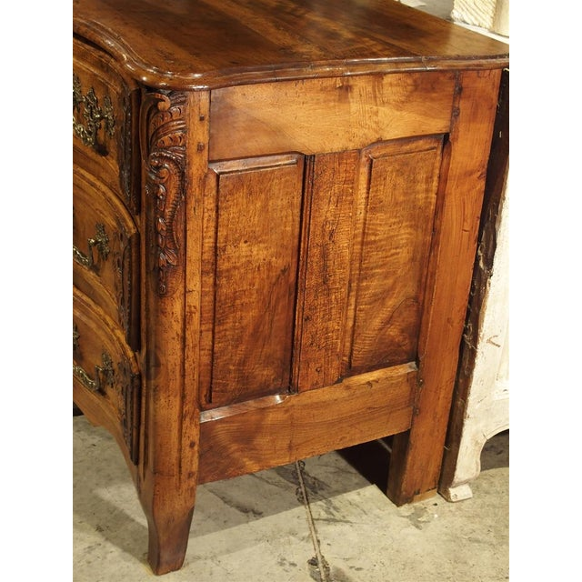 French French Walnut Wood Commode From Lyon, Circa 1750 For Sale - Image 3 of 13