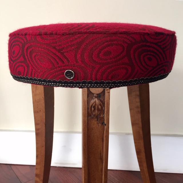 Art Deco Early 20th Century French Art Deco Wood and Red Fabric Round Stool For Sale - Image 3 of 10