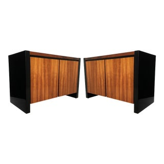 Henredon Koa Wood and Black Lacquer Nightstands or Side Tables - A Pair For Sale