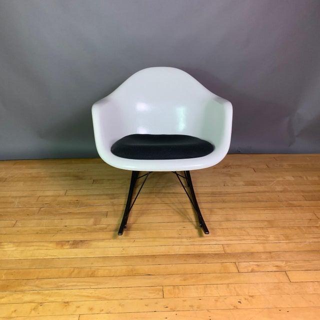 "Charles & Ray Eames ""Rar"" Rocker, Herman Miller For Sale - Image 9 of 11"
