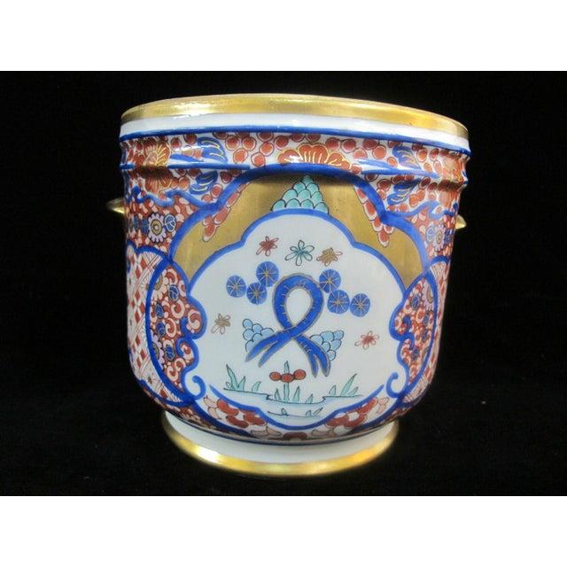 Vintage Porcelain Imari Pot Small Handle Vase Jar Gold Gilt Floral Design For Sale - Image 4 of 7