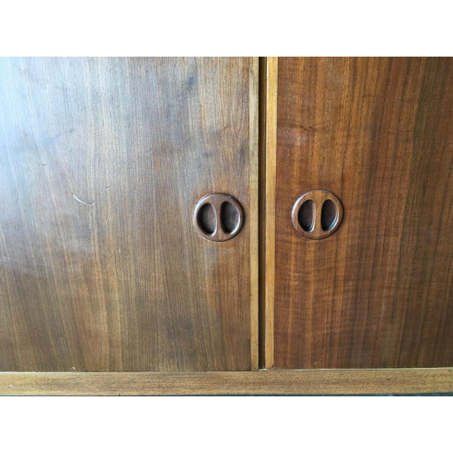 1980s Danish Modern Rose Stained Credenza Cabinet W/ Sculpted Pig Nose Pulls For Sale - Image 5 of 7