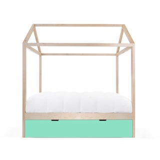 Domo Zen Full Trundle Canopy Bed in Maple With Mint Finish Preview