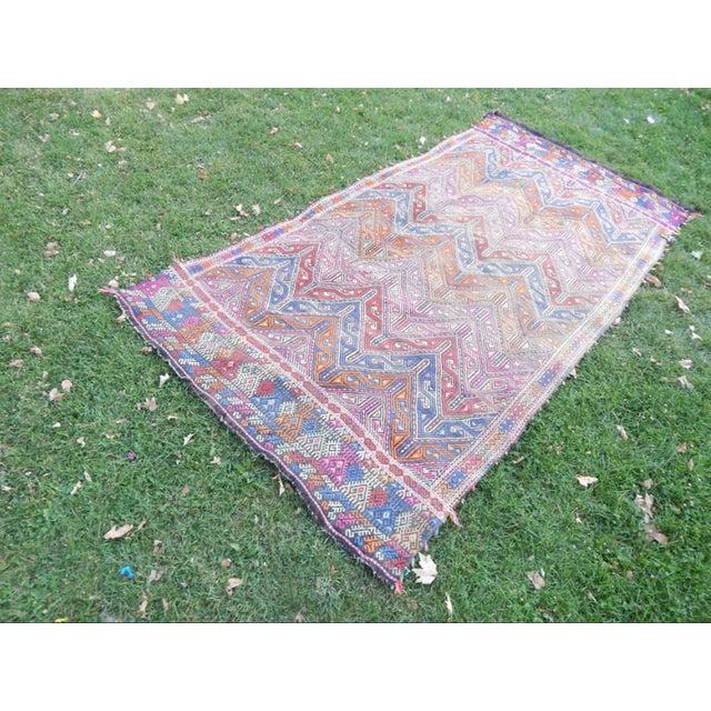 Islamic Handwoven Turkish Kilim Rug Pastel Colors Area Rug Petite Braided Kilim - 4′11″ × 9′4″ For Sale - Image 3 of 12