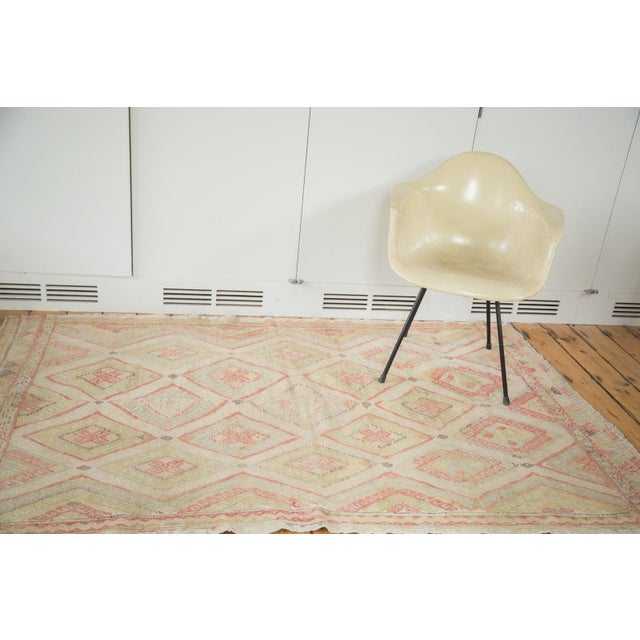 This 1980s-era flat-woven Jijim features a delicate balance between positive and neutral space, excellent contrast, and...