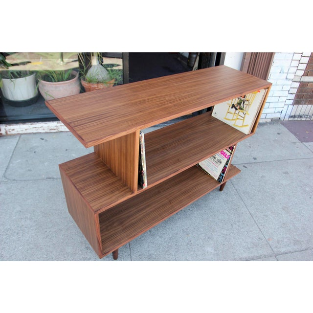 Mid-Century Modern Brown Walnut Deep Zig-Zag Bookcase For Sale In Los Angeles - Image 6 of 11