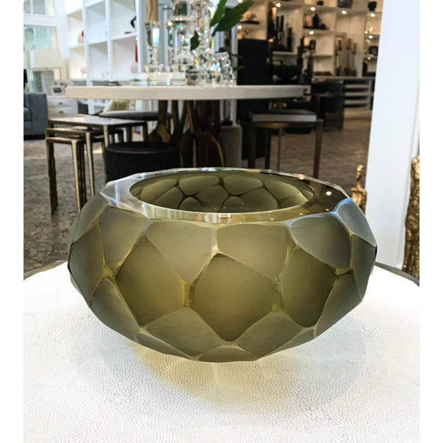 The unique Murano Vase is handcrafted in Italy by Alberto Dona. Each piece is signed. The item is a gorgeous chisel...