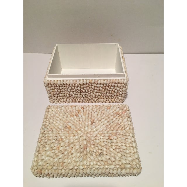 Tiny sea shell covered box to hold your treasures or use as a catch all. Made in the Philippines Circa 1990's No missing...