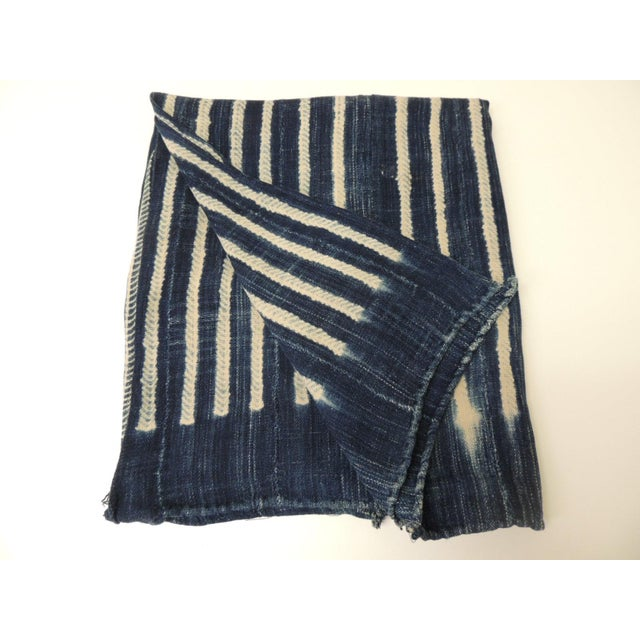 Vintage Blue and White Yoruba and Baule Warp Artisanal Cloth With Fringes For Sale In Miami - Image 6 of 6