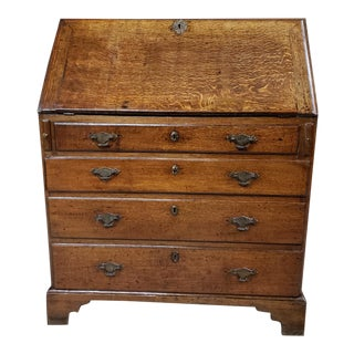 Georgian Oak Bureau With 4 Graduated Drawers For Sale