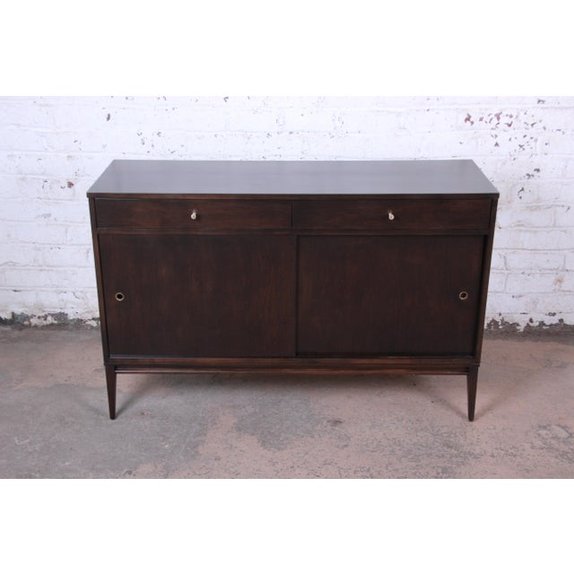 Contemporary Paul McCobb Planner Group Sliding Door Sideboard Credenza or Record Cabinet For Sale - Image 3 of 13