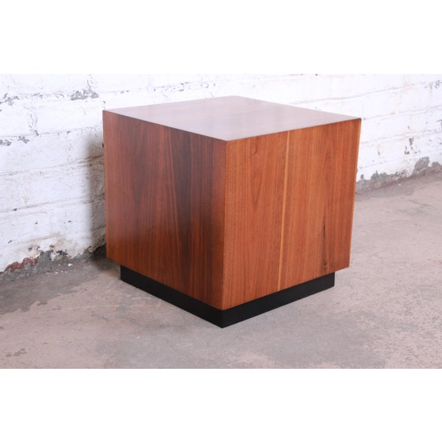 Danish Modern Milo Baughman Mid-Century Modern Walnut Cube Side Table or Coffee Table, Restored For Sale - Image 3 of 5