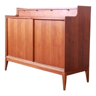 Arthur Umanoff for Cavalier Mid-Century Modern Walnut Sideboard Credenza or Bar Cabinet For Sale