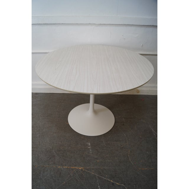 """Mid Century Modern 42"""" Round Tulip Base Saarinen Style Dining Table by Burke AGE/COUNTRY OF ORIGIN: Approx 50 years,..."""