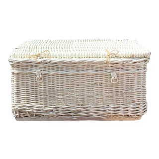 Vintage Distressed White Wicker Storage Trunk For Sale