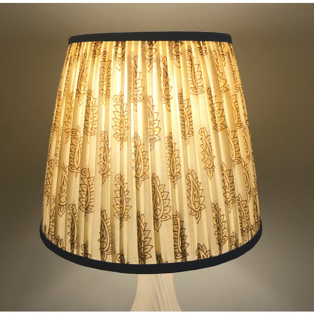 Cream Paisley Pleated Lamp Shade With Blue Trim For Sale - Image 4 of 8