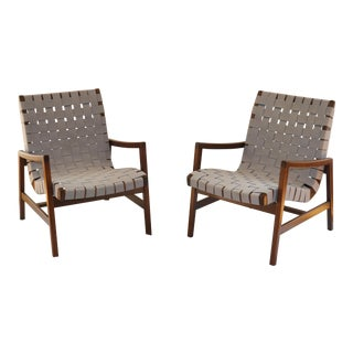 Mid-Century Modern Jens Risom for Knoll Walnut Lounge Chairs - a Pair For Sale