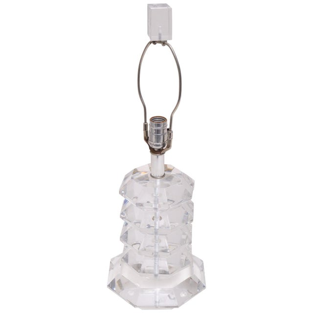 Transparent 1970s Pagoda Form Lucite Table Lamp For Sale - Image 8 of 8