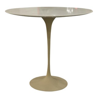 Vintage Eero Saarinen Oval Pedestal Side Table For Sale