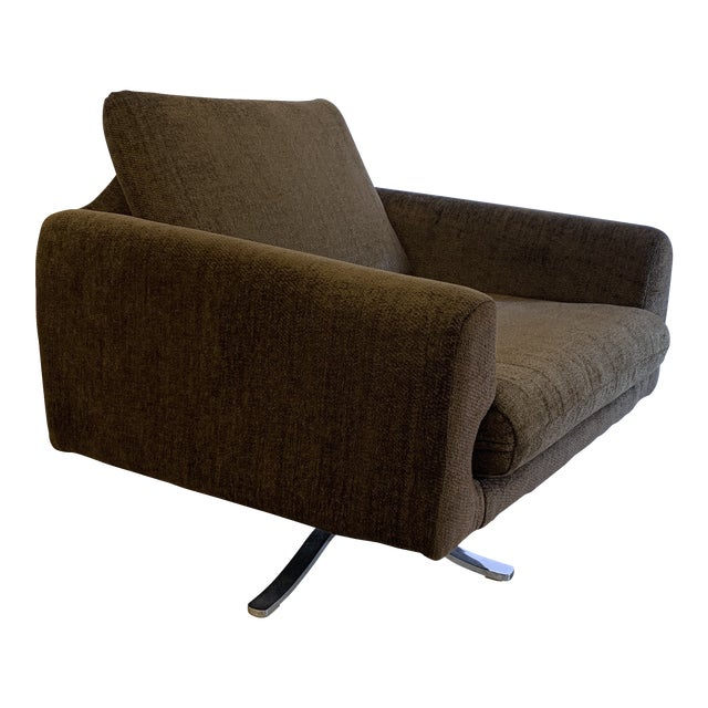 Mid Century Chrome Base Swivel Lounge Chair For Sale