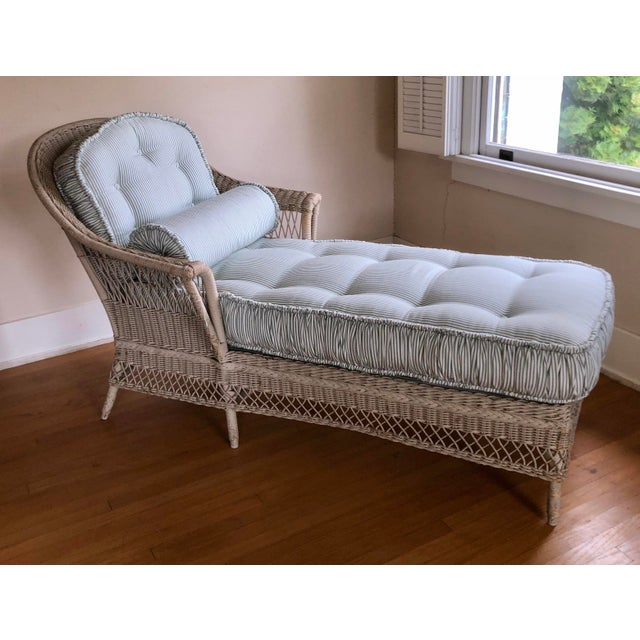 Wicker Vintage Nantucket Wicker Tufted Chaise Lounge. For Sale - Image 7 of 7