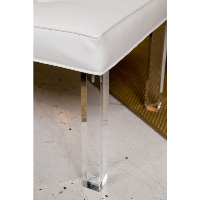 Mid-Century Modern Mid-Century Lucite Tufted White Vinyl Bench For Sale - Image 3 of 6