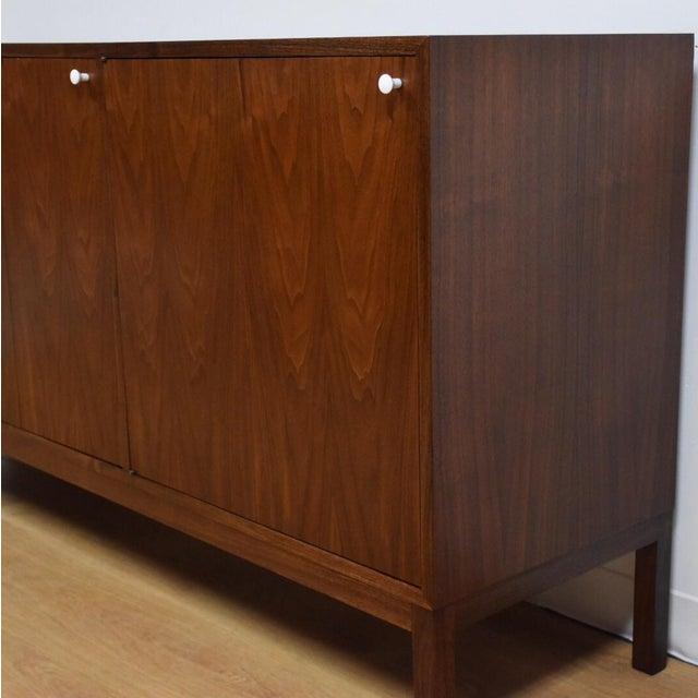 Mid Century Walnut 12 Drawer Dresser - Image 5 of 11