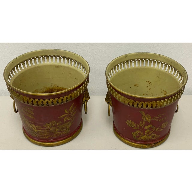 Early 20th Century Pair of Signed French Tole Chinoiserie Cachepots / Planters For Sale - Image 5 of 8