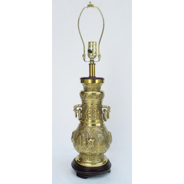 Chinoiserie C1950s-70s Hollywood Regency Era, James Mont-Style Asian Antique Bronze Lamp For Sale - Image 3 of 13