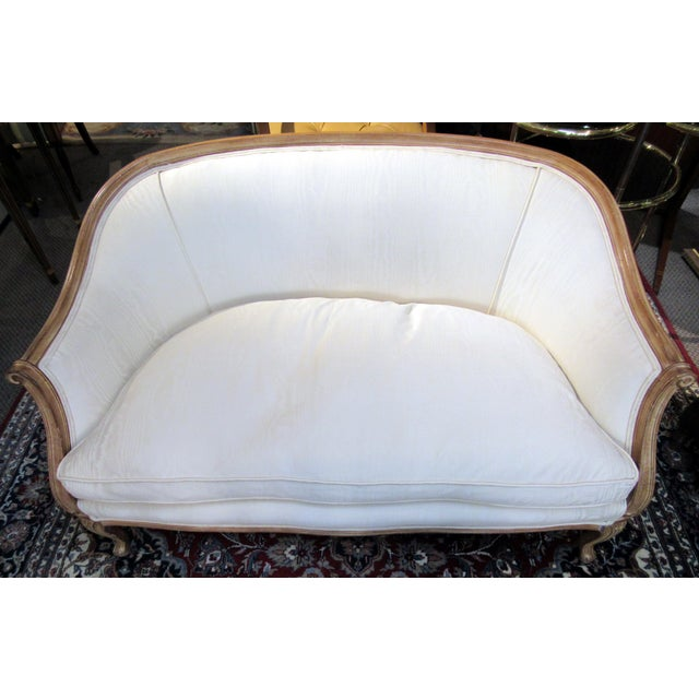 Textile Country French Style Settee For Sale - Image 7 of 13