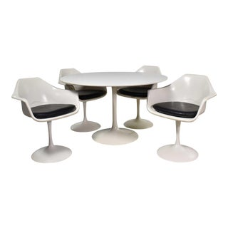 Tulip Style White Fiberglass Swivel Chairs and Table by Umanoff for Contemporary Shells For Sale