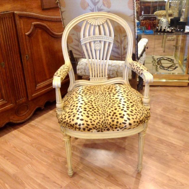 Traditional Set of 4 Jansen Style Balloon Back Chairs For Sale - Image 3 of 12