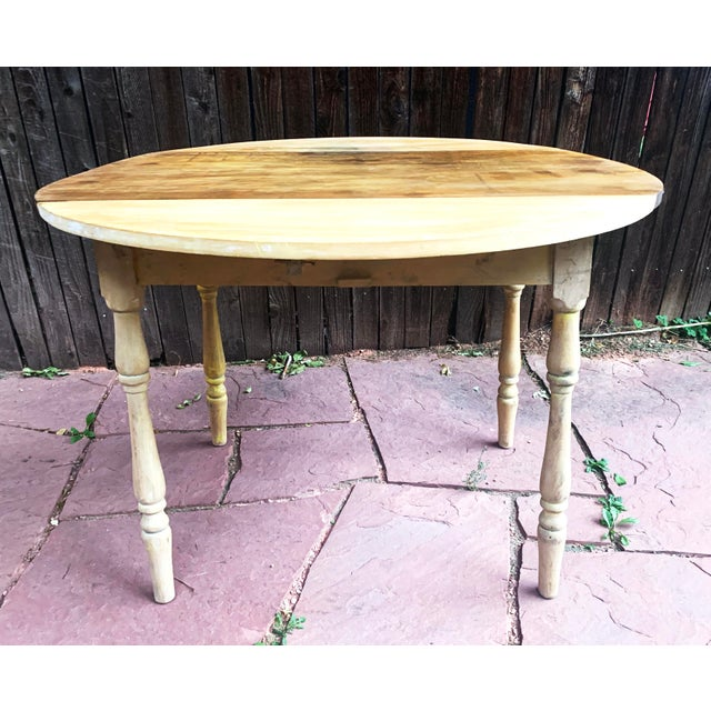 Early American Light Yellow Stained Pine Drop Leaf Dining Table For Sale - Image 4 of 13